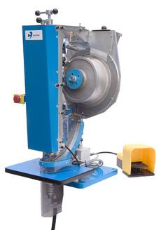 Automatisk svejse og lokke maskine til isvejsning af snørreringe i plast