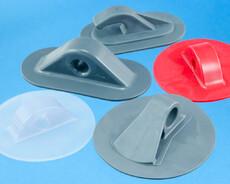 Snorholdere i sprøjtestøbt plast der kan HF svejses